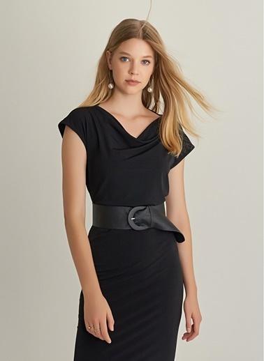 NGSTYLE Degaje Yaka Örme Elbise Siyah
